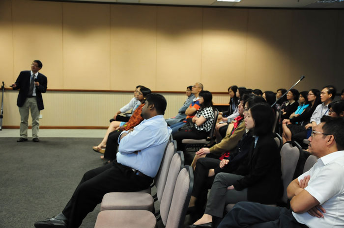 Dr. Colin Ng's session about stoma was entitled 'Bags & Bowels'
