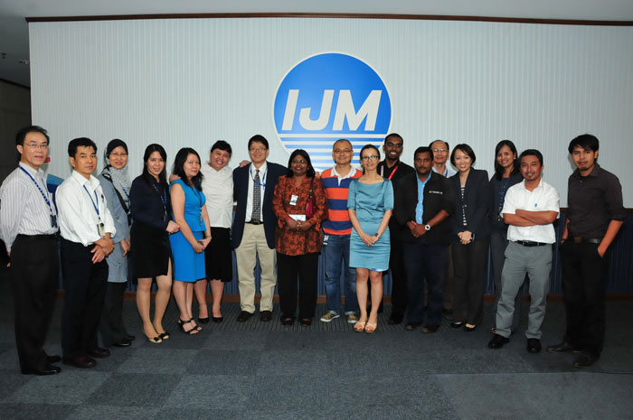 The organisers, speakers and participants of the IJM workshop